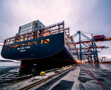 """美国邮政""""退群""""对中国电商全球化的影响及机会"""