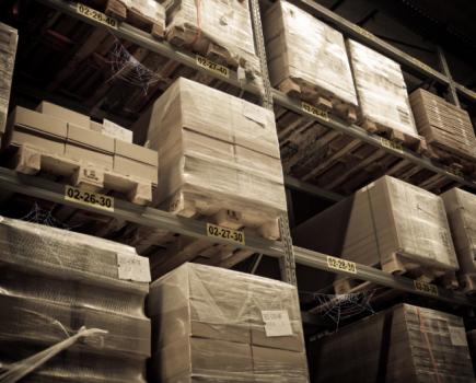 亚马逊将停止在印度运送非必需品
